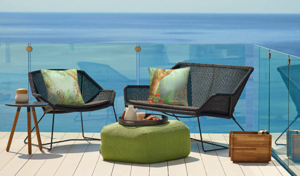 housse coussin design avec un design de foret tropicale par l'artiste ina de saint andeol
